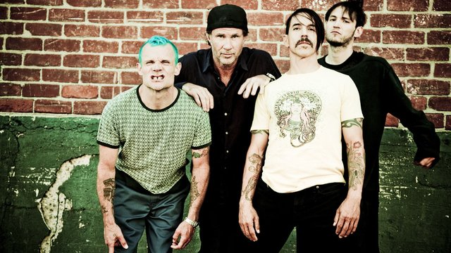 "Red Hot Chili Peppers' Chad Smith: Anthony Kiedis Is ""On The Mend"" 