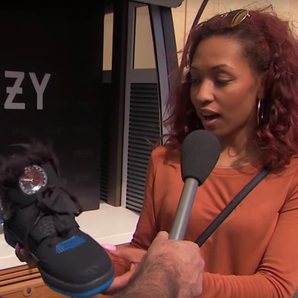 Kanye West fans fack Yeezys on Jimmy Kimmel Show