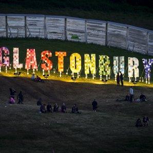 Glastonbury sign night 2015