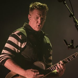 Queens Of The Stone Age Josh Homme live 2014